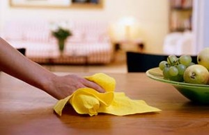 cleaning-table with vinegar