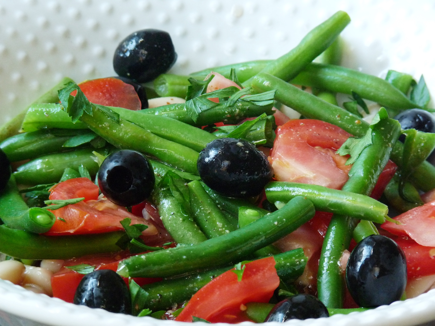 White Bean Salad with Green Beans and Tomatoes | Enjoy Fun ...