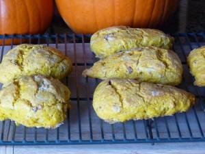 Pumpkin and date scones